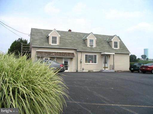 860 N Reading Road, STEVENS, PA 17578 (#PALA158470) :: Liz Hamberger Real Estate Team of KW Keystone Realty