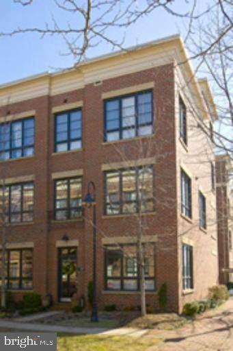 707 N Fayette Street, ALEXANDRIA, VA 22314 (#VAAX243456) :: Bic DeCaro & Associates