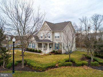 12851 Victory Lakes Loop, BRISTOW, VA 20136 (#VAPW487798) :: The Putnam Group