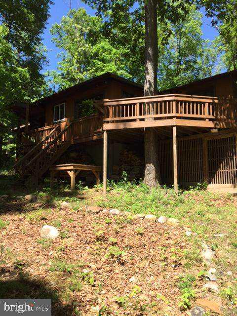 118 Capella Court, GREAT CACAPON, WV 25422 (#WVMO116508) :: AJ Team Realty