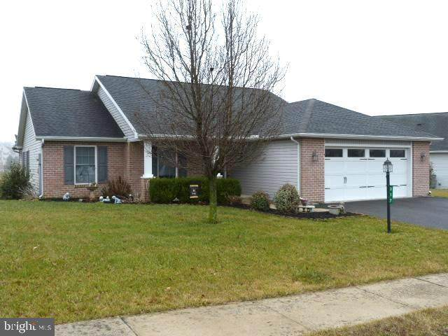317 Eisenhower Drive, CHAMBERSBURG, PA 17201 (#PAFL171362) :: The Heather Neidlinger Team With Berkshire Hathaway HomeServices Homesale Realty
