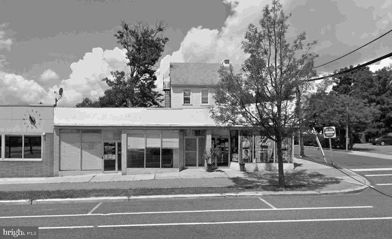 303 Broad Street - Photo 1