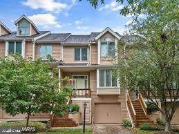 5279 Columbia Road #285, COLUMBIA, MD 21044 (#MDHW275782) :: Bruce & Tanya and Associates