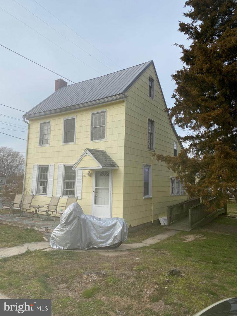181 Front Street - Photo 1
