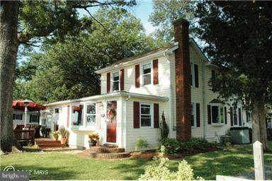 1001 Irving Avenue, COLONIAL BEACH, VA 22443 (#VAWE115970) :: The Riffle Group of Keller Williams Select Realtors