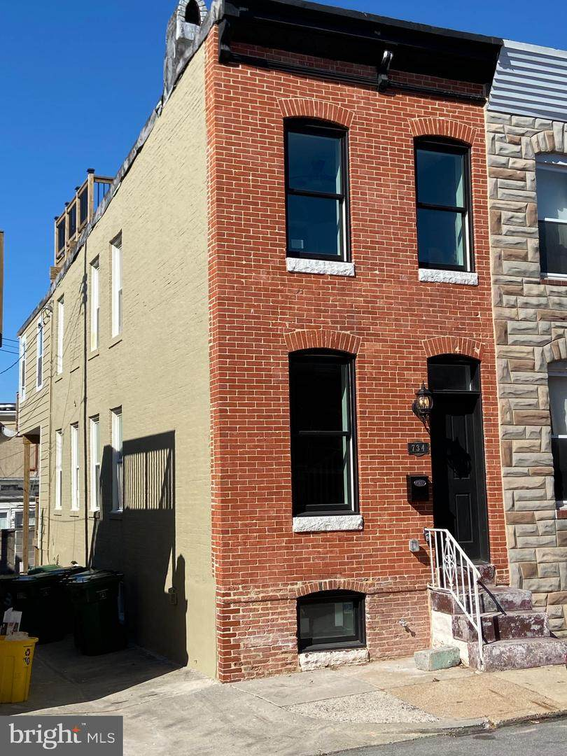 734 Robinson Street - Photo 1