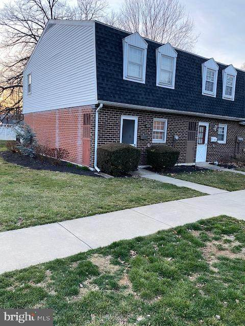 777 Colony Drive, YORK, PA 17404 (#PAYK134974) :: The Joy Daniels Real Estate Group