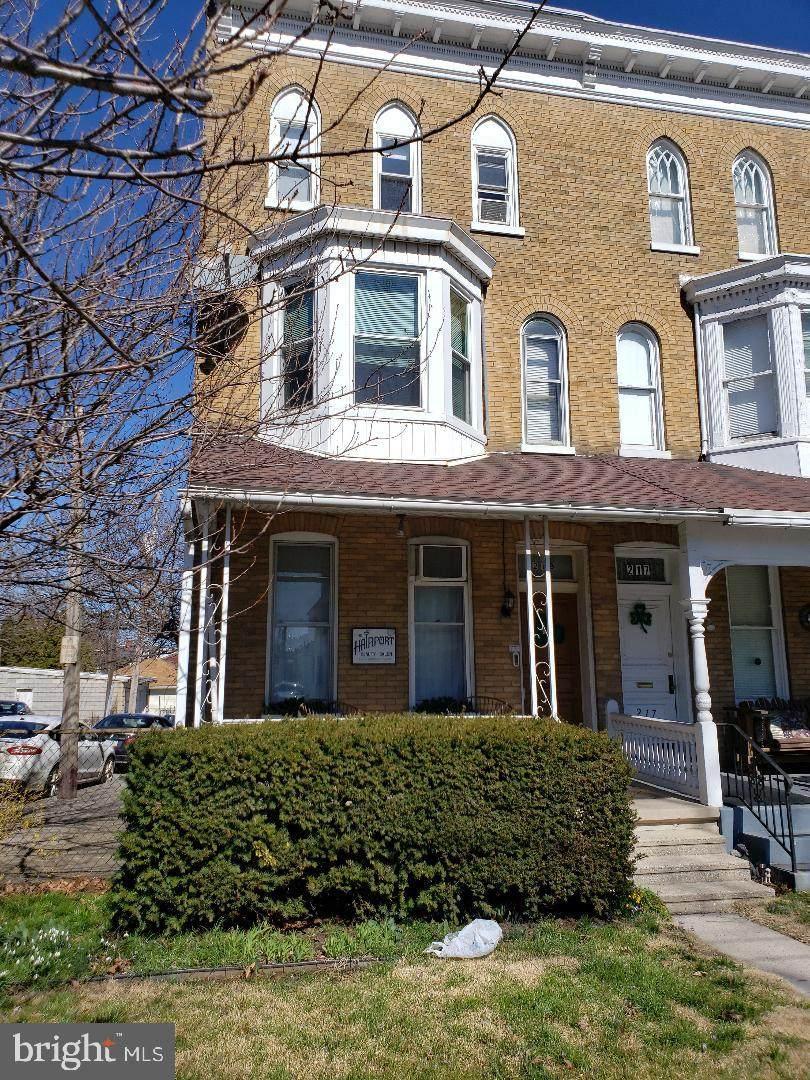 219 Carlisle Avenue - Photo 1