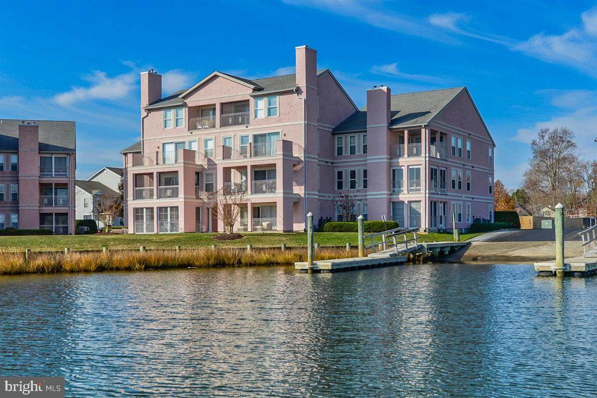7410 Yacht Club Drive - Photo 1