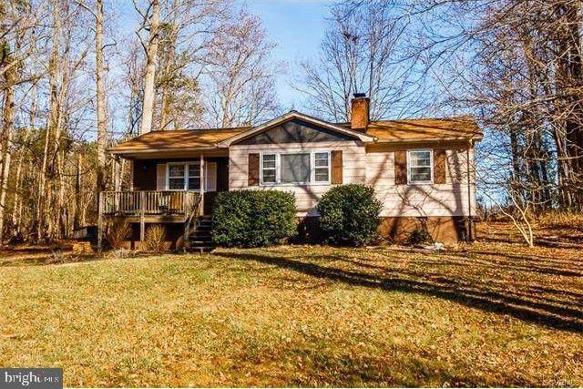 158 Yorktown Drive, RUTHER GLEN, VA 22546 (#VACV121804) :: The Miller Team