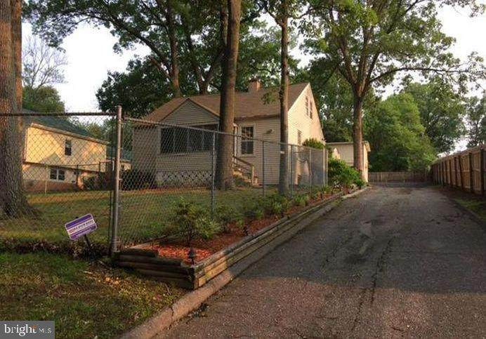 9002 Hickory Hill Avenue - Photo 1