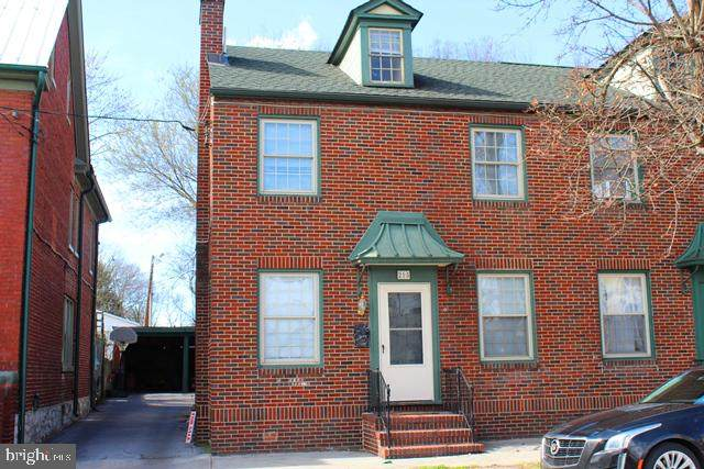 215 Maple Avenue S, MARTINSBURG, WV 25401 (#WVBE175818) :: Coleman & Associates