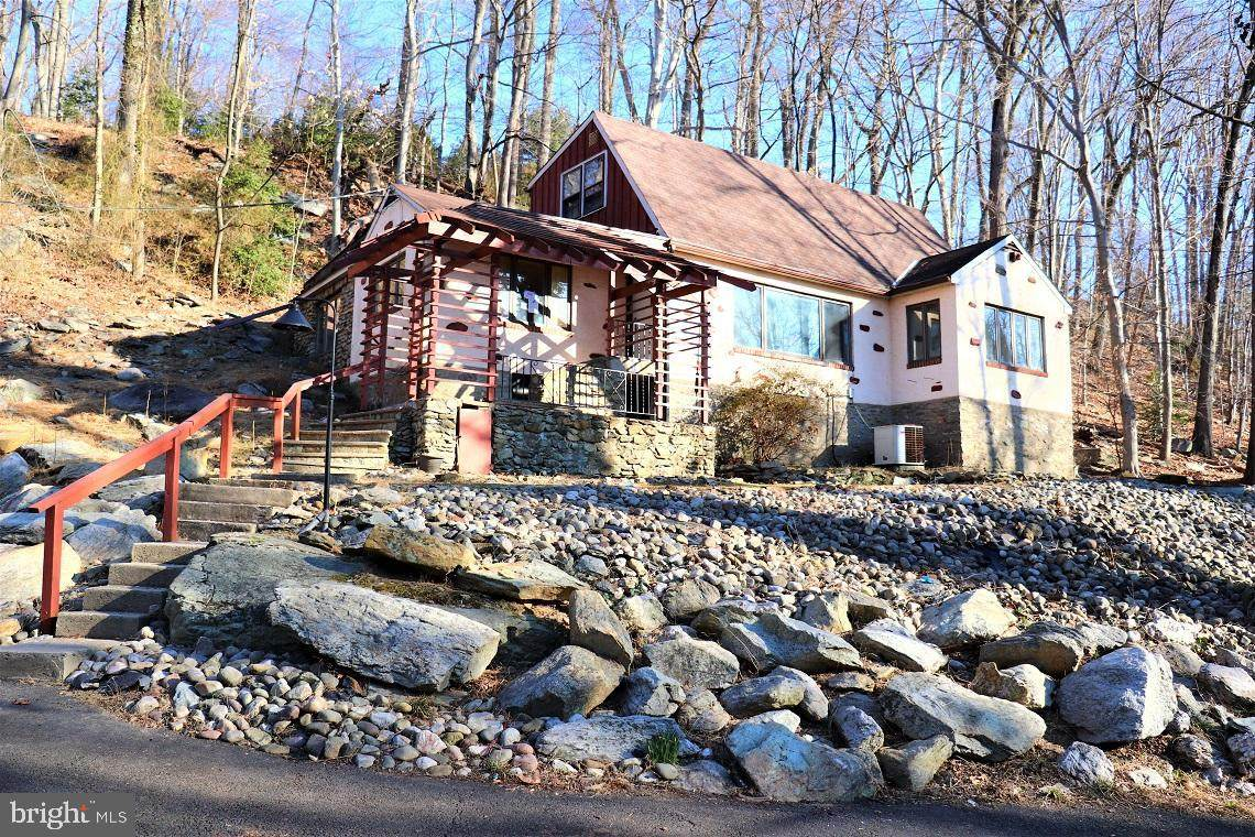 2540 Edge Hill Road - Photo 1