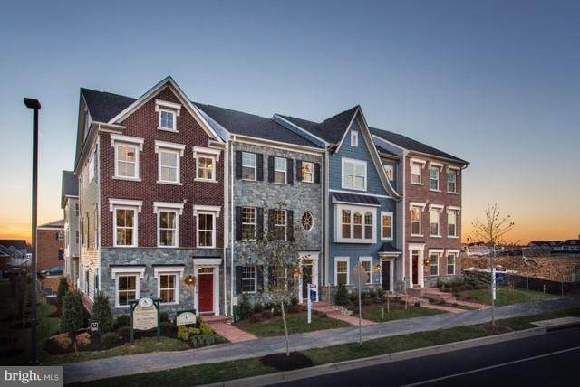 23500 Overlook Park Drive, CLARKSBURG, MD 20871 (#MDMC701862) :: Sunita Bali Team at Re/Max Town Center