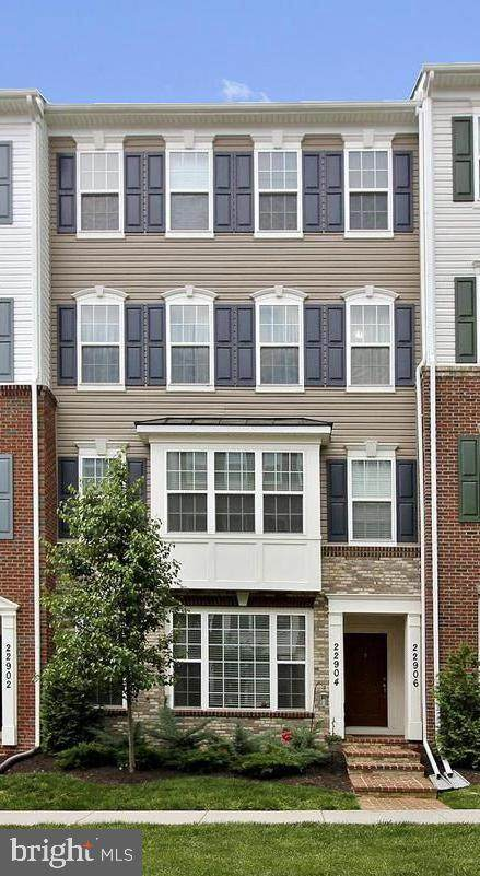 22906 Spicebush Drive #1582, CLARKSBURG, MD 20871 (#MDMC702154) :: Sunita Bali Team at Re/Max Town Center