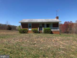 3816 Whiting Road, MARSHALL, VA 20115 (#VAFQ164938) :: AJ Team Realty