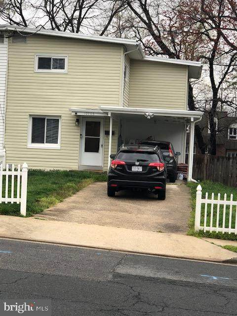10706 Maple Street, FAIRFAX, VA 22030 (#VAFC119630) :: Bic DeCaro & Associates