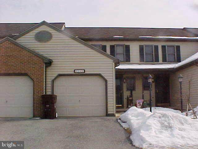 3149 Bornt Drive, DOVER, PA 17315 (#PAYK136082) :: Century 21 Dale Realty Co