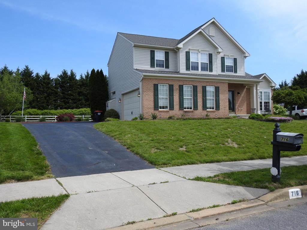 716 Pinewood Drive - Photo 1