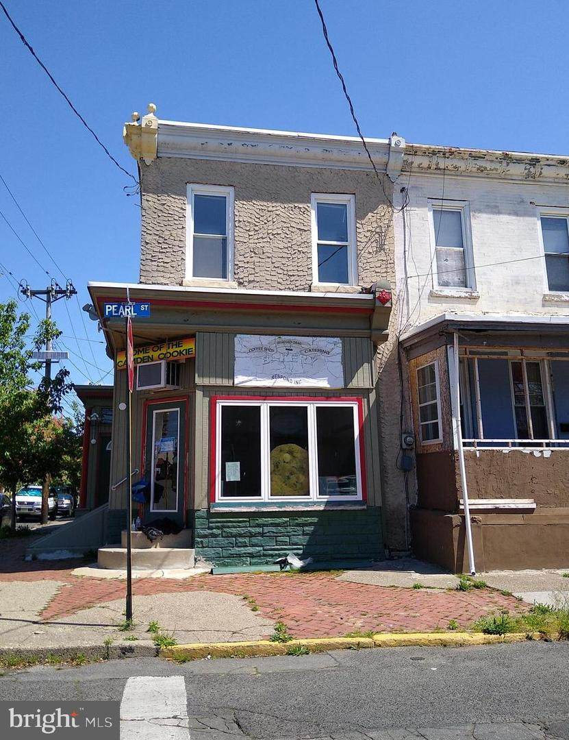901 Pearl Street - Photo 1