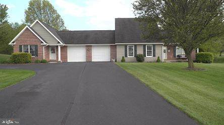 115 Valleyview Drive, LITTLESTOWN, PA 17340 (#PAAD111386) :: The Heather Neidlinger Team With Berkshire Hathaway HomeServices Homesale Realty