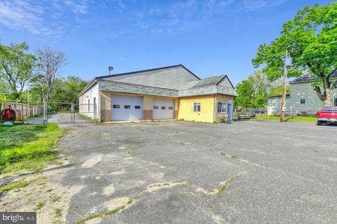 114 Oak Road - Photo 1