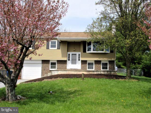 2951 Rockwood Drive, POTTSTOWN, PA 19464 (#PAMC649020) :: The John Kriza Team