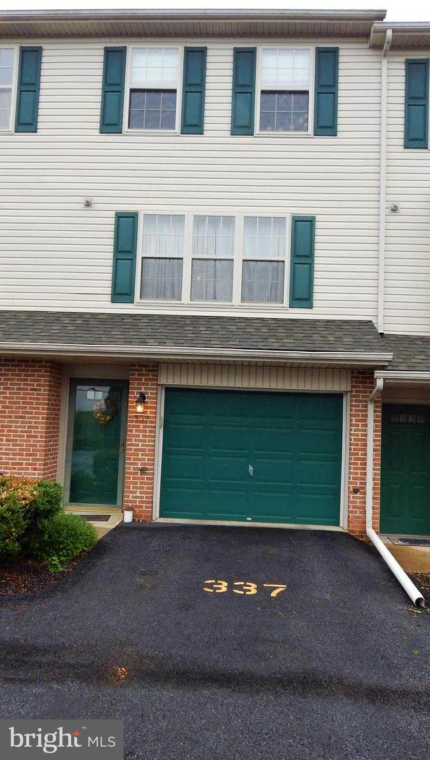 337 Country Club Road #8, RED LION, PA 17356 (#PAYK137938) :: The Joy Daniels Real Estate Group