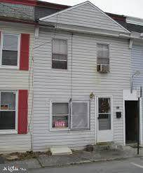 657 Court Avenue - Photo 1