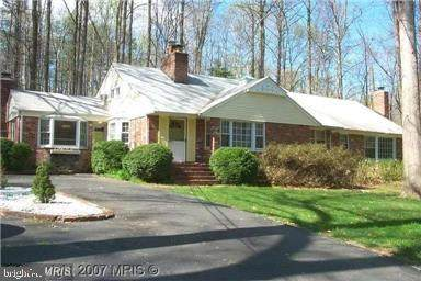 10408 Burke Lake Road, FAIRFAX STATION, VA 22039 (#VAFX1130192) :: Debbie Dogrul Associates - Long and Foster Real Estate
