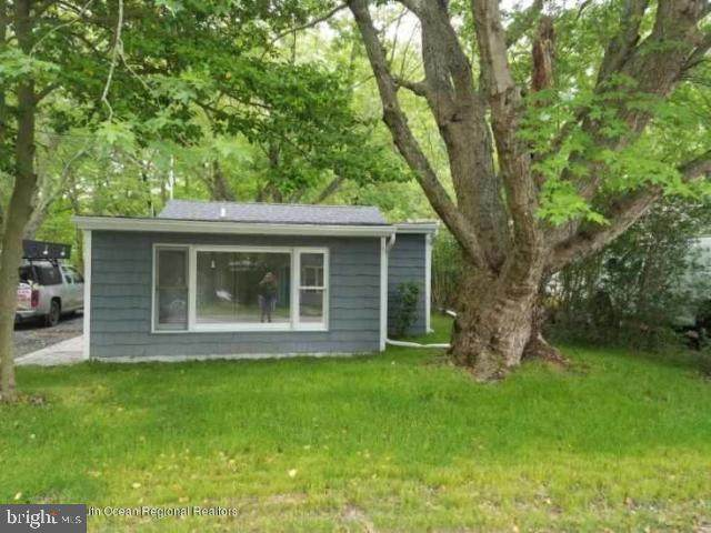 32 Bayberry Drive - Photo 1