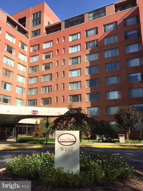 1111 Arlington Boulevard #823, ARLINGTON, VA 22209 (#VAAR163256) :: City Smart Living