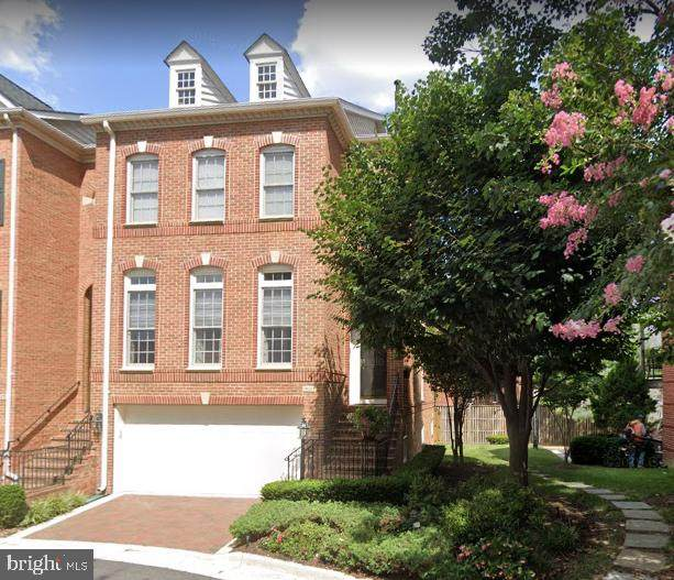 1641 Hunting Creek Drive, ALEXANDRIA, VA 22314 (#VAAX246618) :: The Licata Group/Keller Williams Realty
