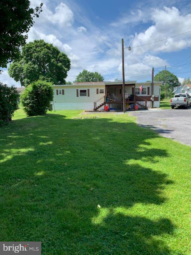 303 Fairview Road, NEW CUMBERLAND, PA 17070 (#PAYK138434) :: Iron Valley Real Estate