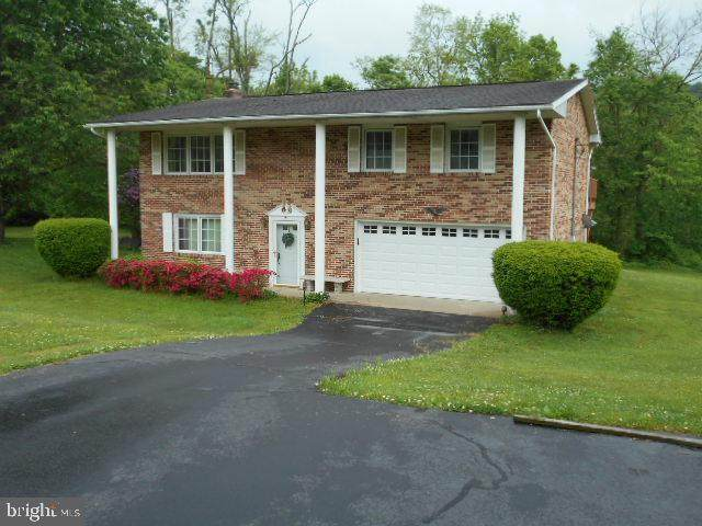 286 Strickler School Road, YORK, PA 17406 (#PAYK138766) :: Century 21 Dale Realty Co