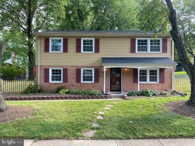 5003 Linfield Drive, WOODBRIDGE, VA 22193 (#VAPW496650) :: John Lesniewski | RE/MAX United Real Estate