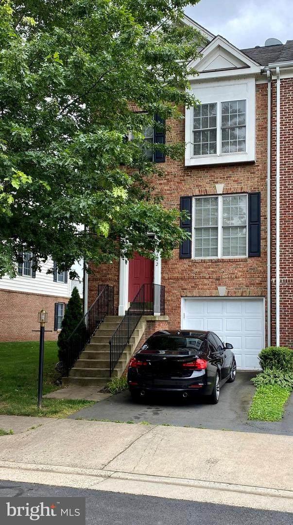 6342 Cullen Place, HAYMARKET, VA 20169 (#VAPW497324) :: Larson Fine Properties