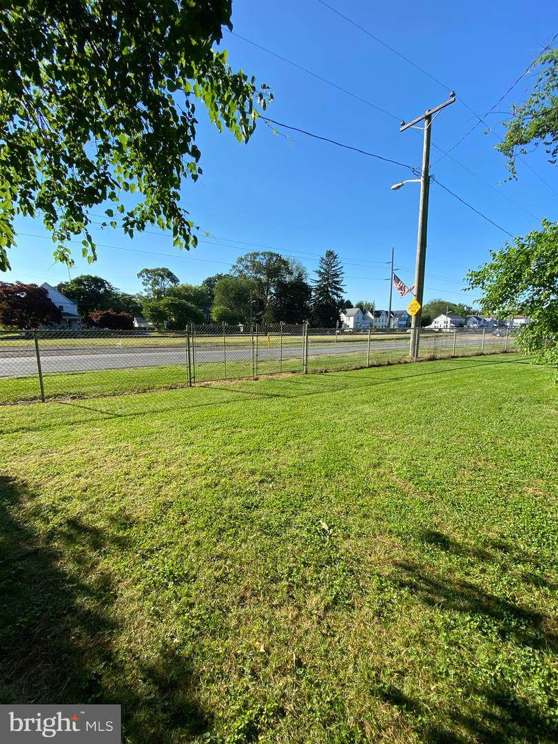 E Railroad Ave - Photo 1