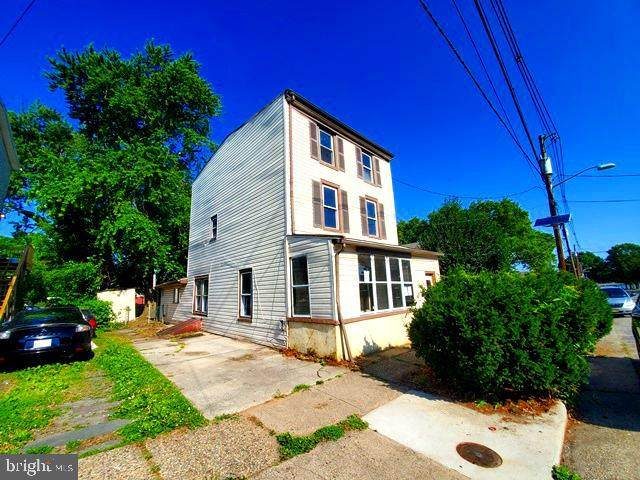 115 Broad Street, BEVERLY, NJ 08010 (MLS #NJBL375228) :: The Dekanski Home Selling Team