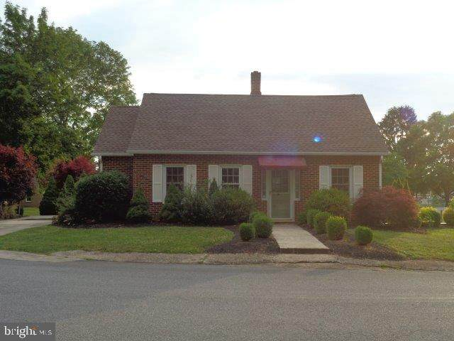 607 Woodland Avenue, MOUNT HOLLY SPRINGS, PA 17065 (#PACB125028) :: The Joy Daniels Real Estate Group
