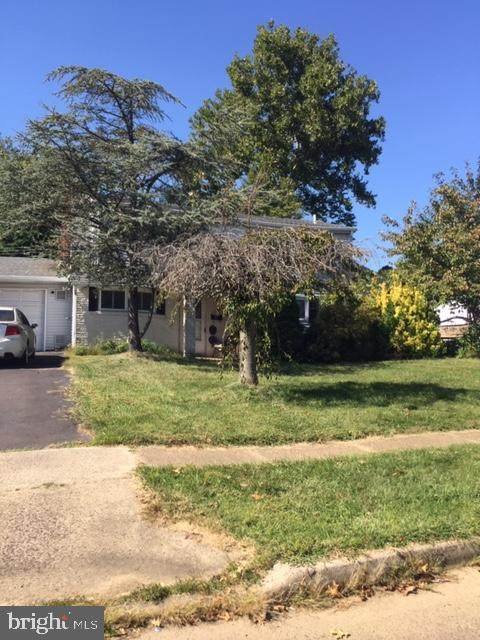 27 Deep Dale Dr W, LEVITTOWN, PA 19056 (#PABU500132) :: Jason Freeby Group at Keller Williams Real Estate