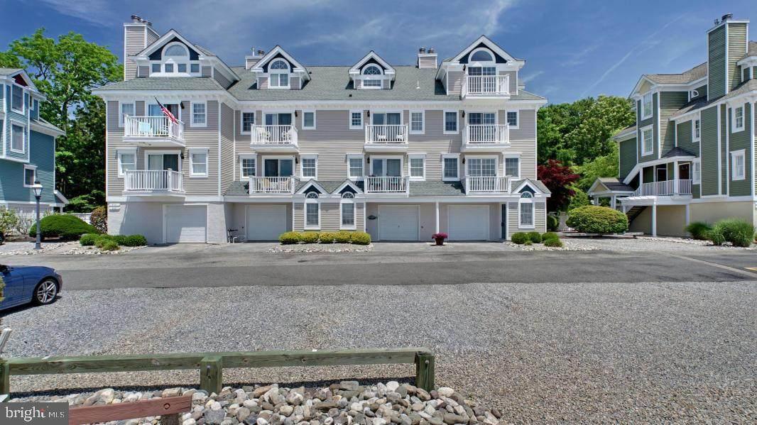 347 Harbor View - Photo 1