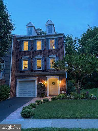2013 Gervais Drive, FALLS CHURCH, VA 22043 (#VAFX1138574) :: Radiant Home Group