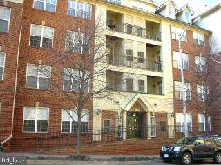 1320 N Wayne Street #101, ARLINGTON, VA 22201 (#VAAR165626) :: The Putnam Group