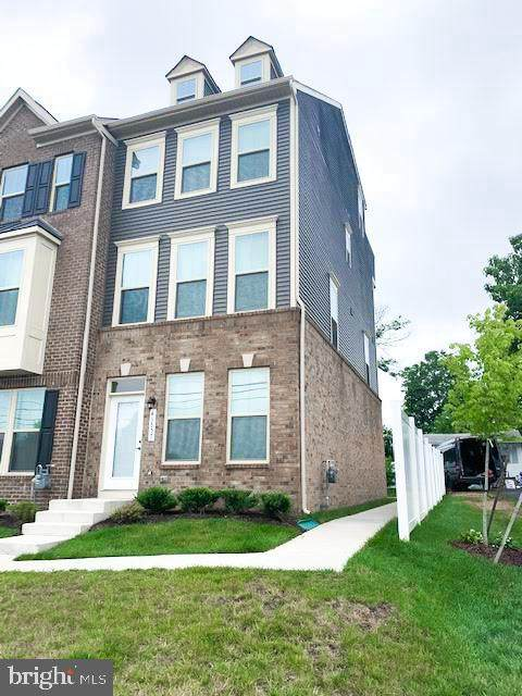 43857 Stubble Corner Square, ASHBURN, VA 20147 (#VALO415772) :: Talbot Greenya Group