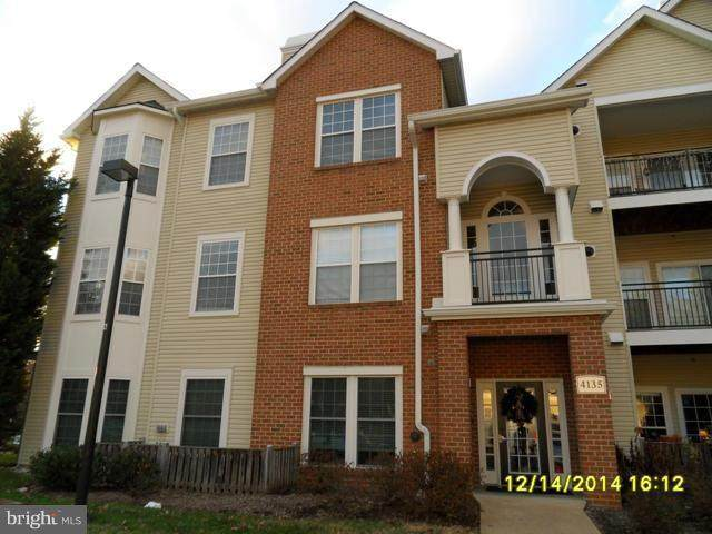 4135 Fountainside Lane C001, FAIRFAX, VA 22030 (#VAFX1140466) :: The Licata Group/Keller Williams Realty