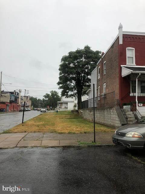 830 8TH Street - Photo 1