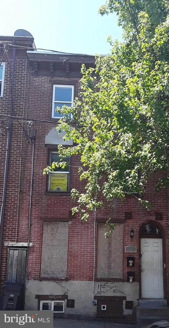 608 6TH Street - Photo 1