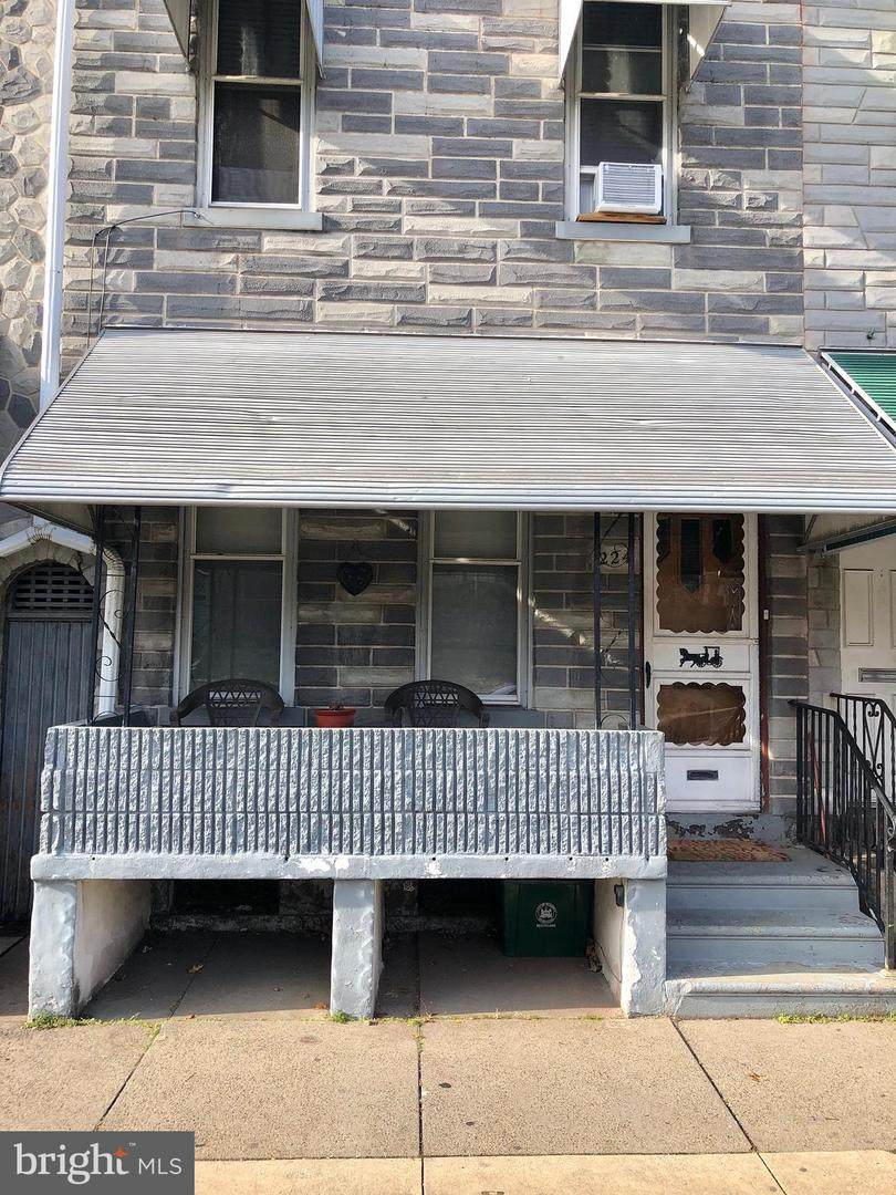 224 12TH Street - Photo 1