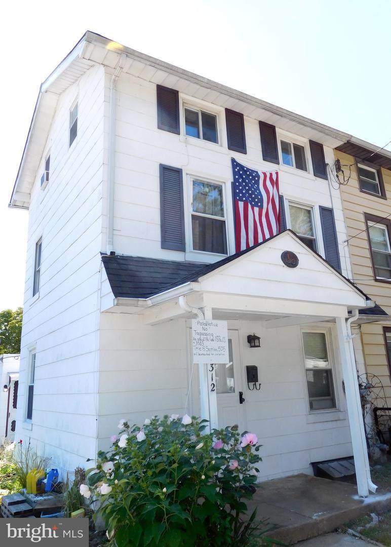 312 Laurel Avenue - Photo 1